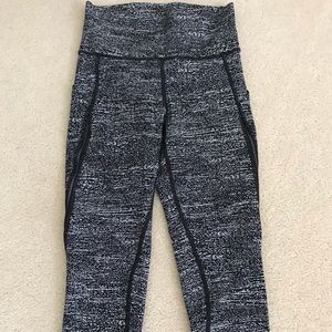 Lululemon Pace Perfect crop size 4 EUC